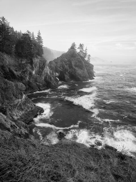 WORLD REGIONS & COUNTRIES, North America, United States of America, Oregon, Thunder Rock Cove, environment, scenery, land, landscape, coast, coastal, coastline, IMAGE/COLOR/STYLE/FORMAT, BW/COLOR, col