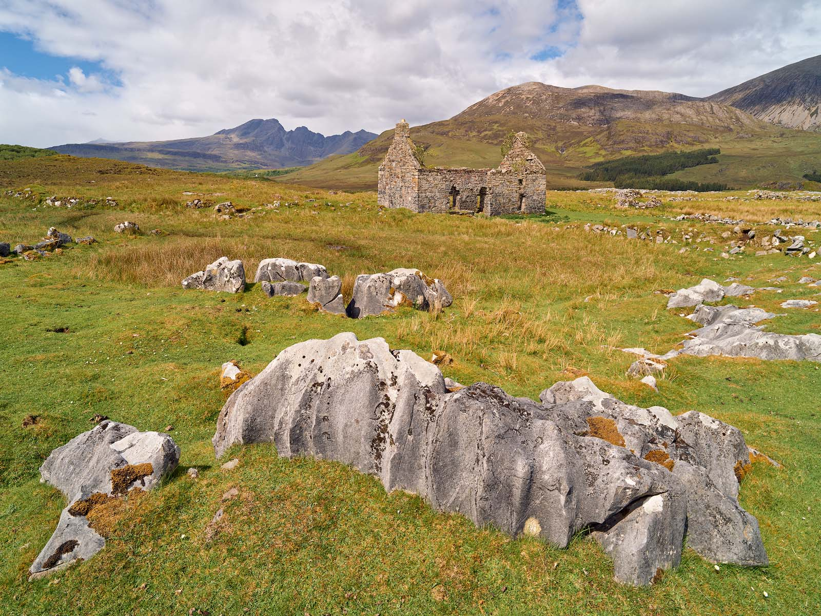 WORLD REGIONS & COUNTRIES, Europe, United Kingdom, Scotland, Isle of Skye, concepts, abandoned, architecture, building materials, marble stone, environment, scenery, land, rural landscape, rural, rock, photo